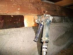 被害がある場合の床下木部処理